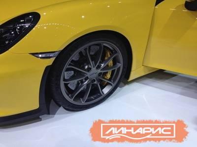 Компания Porsche выбрала для презентации своего Cayman GT4 шины Michelin